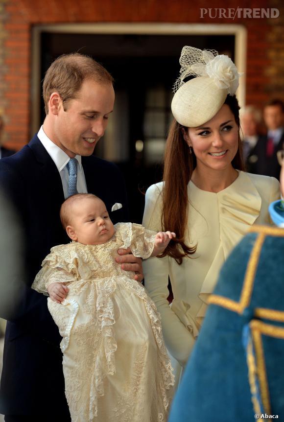 Prince George : les premières images de son baptême !