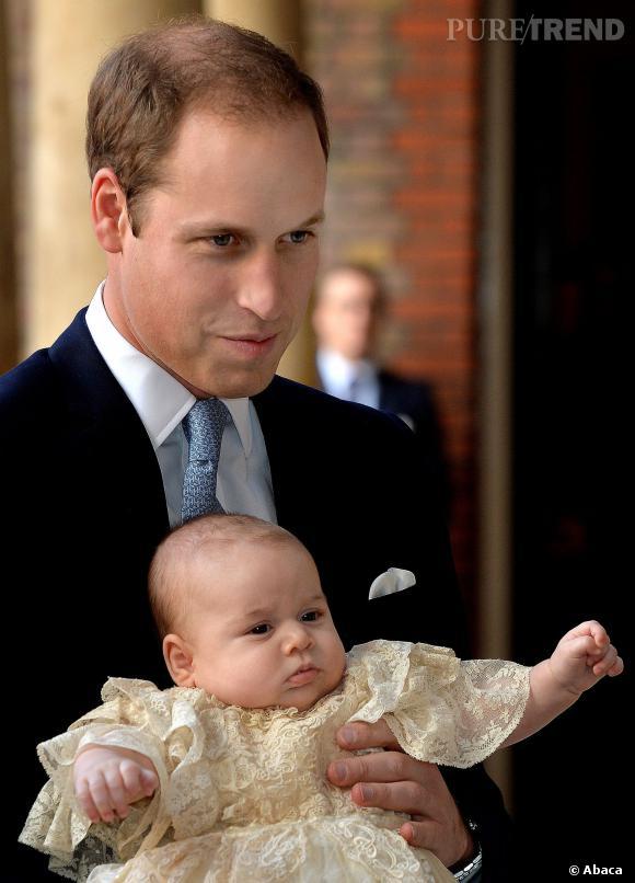 Prince George au côté de son père le Prince William.