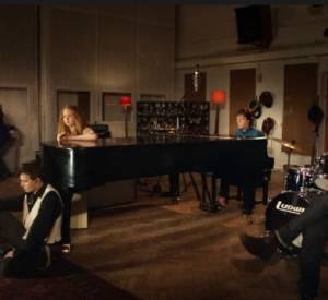 Pour son clip Queenie Eye, Paul McCartney fait le plein de guest stars.