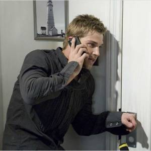 "Mike Vogel dans le film à venir, ""Across The Hall""."