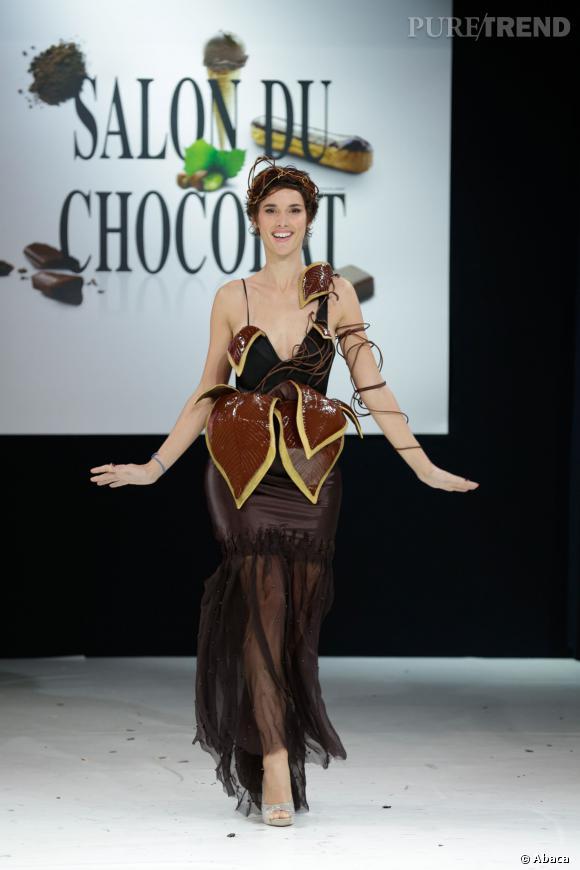 L'animatrice télé Eglantine Emeye au défilé du Salon du chocolat 2013.