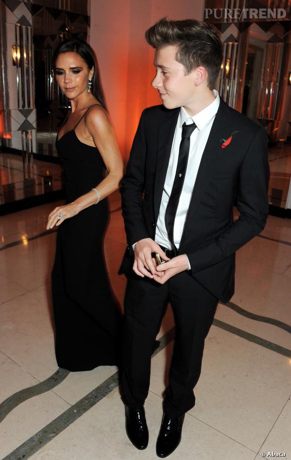 Victoria Beckham et son fils Brooklyn, tellement chic en famille !
