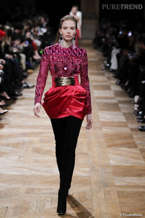 1d6cf4d20fd A copier pour un look sexy   la mini jupe comme chez Balmain Défilé Automne-