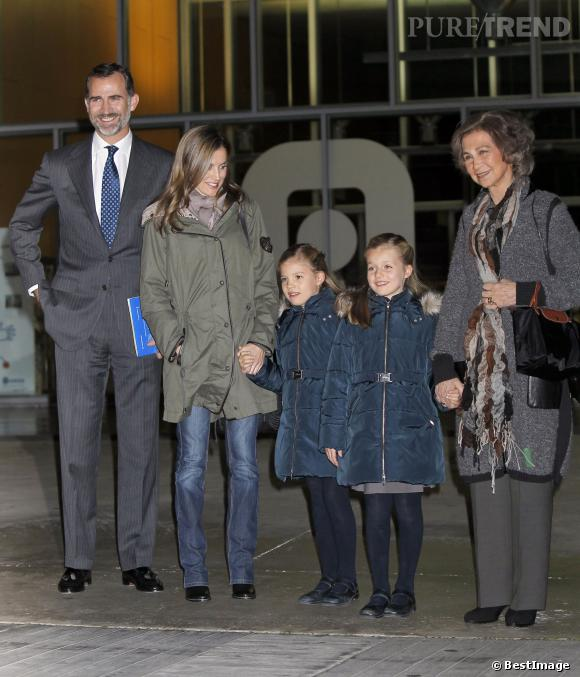 La famille royale d'Espagne très en beauté pour rendre visite au roi Juan Carlos.