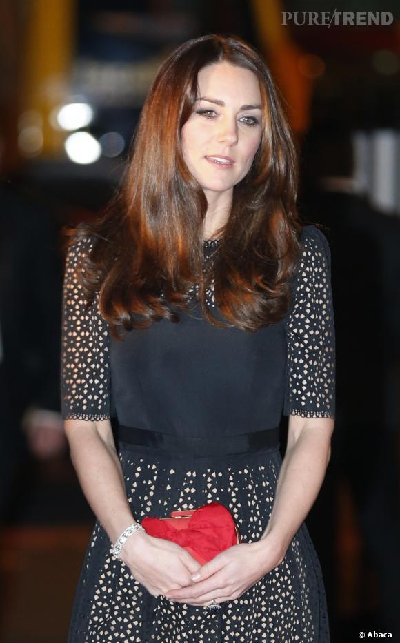 La chevelure de Kate Middleton a retrouvé sa brillance.