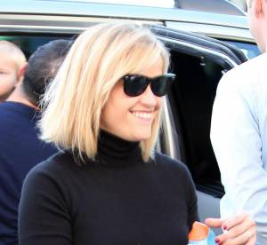 Reese Witherspoon, maman sexy en mini jupe.... Un look à copier !