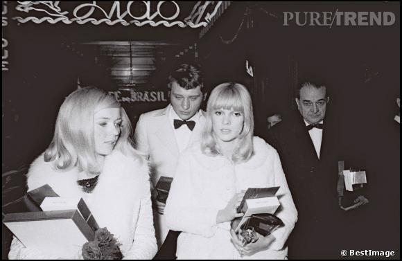 Johnny Hallyday et Sylvie Vartan aux 20 ans du Lido à Paris en 1966.