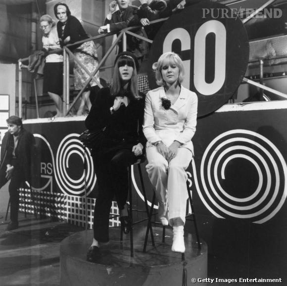 """Sylvie Vartan a marqué les années 60 même à l'étranger comme on peut le voir ici sur le plateaude l'émission """"Ready Steady Go""""."""