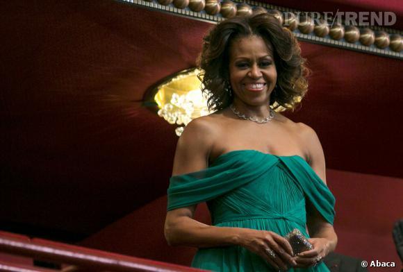 Michelle Obama, divine en robe bustier vert canard pour la soirée Kennedy Center Honors 2013.