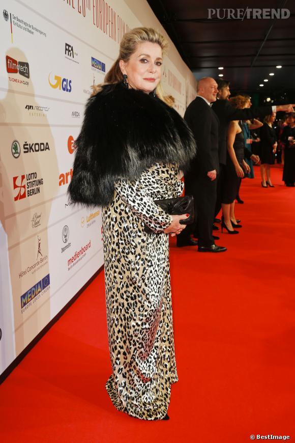 Catherine Deneuve, l'apparition surprenante des European Film Awards 2013 à Berlin.