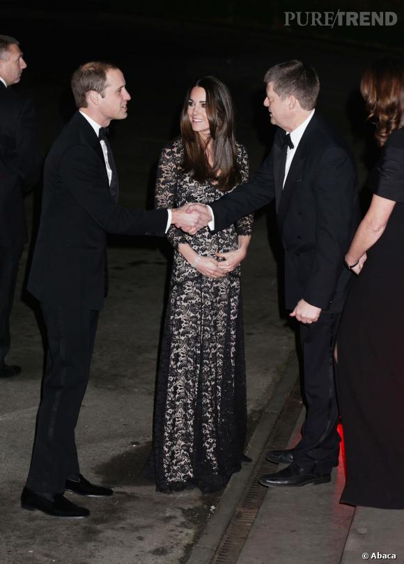 Àmoins que ce ne soit sa robe qui ait un petit problème d'accroc ?