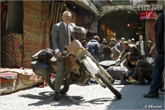 Daniel Craig dans la peau de James Bond, voilà le modèle ultime de l'homme moderne.