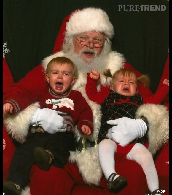 Les enfants qui pleurent avec le père noël : crise d'hystérie numéro 2.