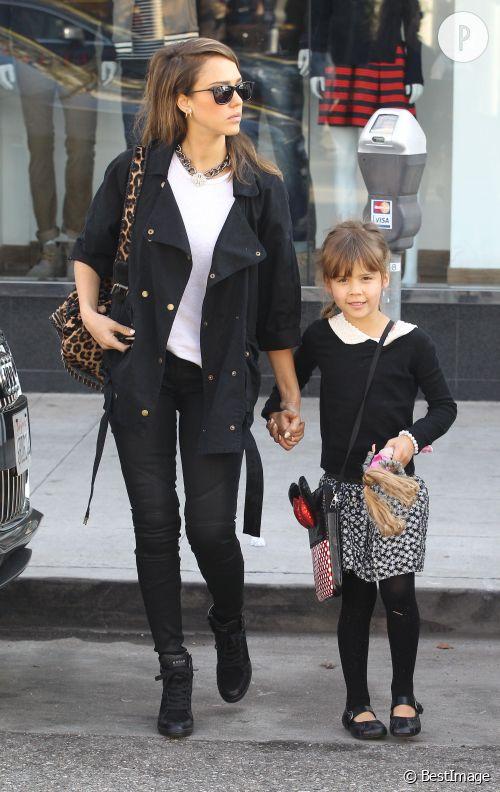 Jessica Alba, maman super cool.