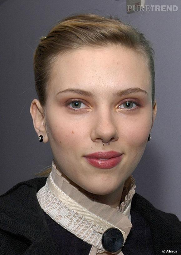 Scarlett Johansson et son piercing au septum.