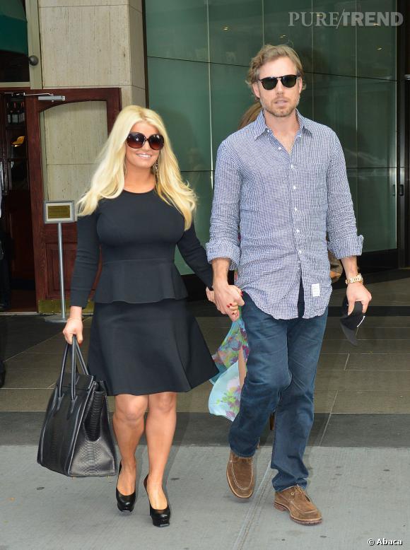Jessica Simpson et son mari. Elle se donne du mal pour mincir.