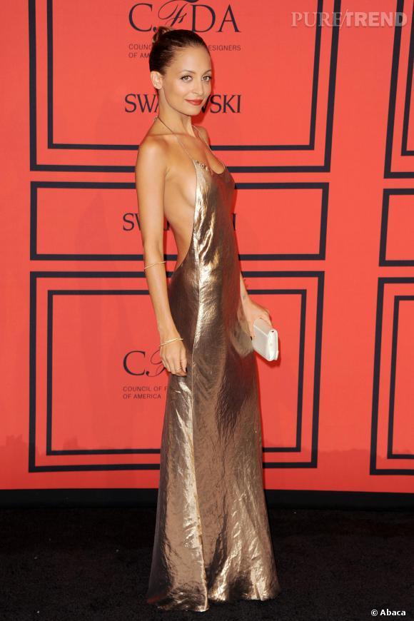 Nicole Richie serait de nouveau anorexique. Cette tenue de la soirée des CFDA qui a commencé à éveiller les soupçons.
