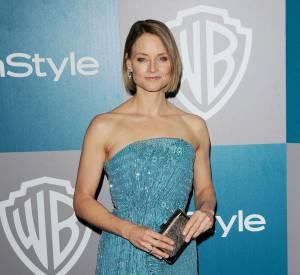 """Jodie Foster est """"Dr"""" puisqu'elle a obtenu son """"Bachelor of Arts"""". Et comme elle a étudié dans un collègue français, elle parle très bien la langue de Molière."""