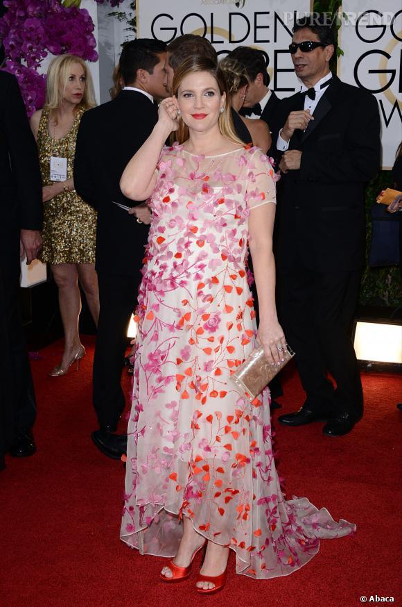 """Le top """"froufrous"""" :  Drew Barrymore rayonnante malgré ses kilos."""