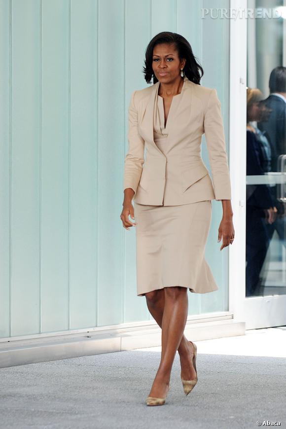 Michelle Obama en tailleur crème.
