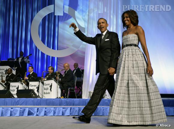 Michelle Obama en longue robe bustier dont on adore le volume.