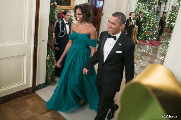 Michelle Obama en robe bustier Marchesa vert canard. Sublime.