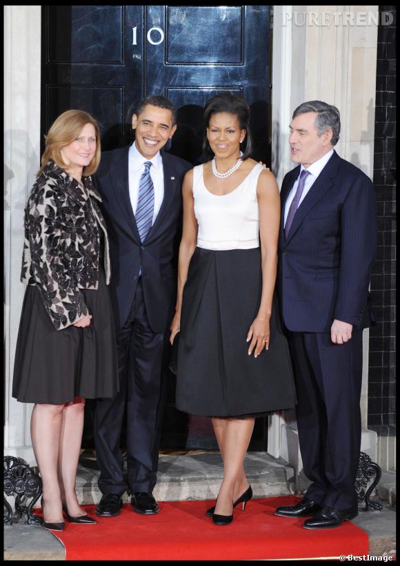 Michelle Obama encore une fois en noir et blanc lors d'une visite à Londres.