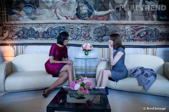 Michelle Obama et Carla Bruni-Sarkozy : impossible de les départager... Aussi élégantes l'une que l'autre.