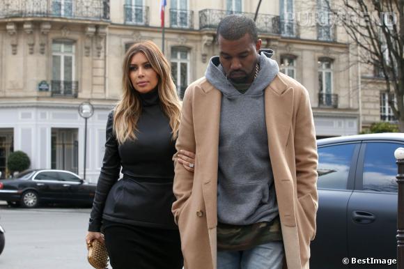 Kim Kardashian et Kanye West ont démenti les rumeurs sur leur supposé mariage au Château de Versailles via un communiqué.