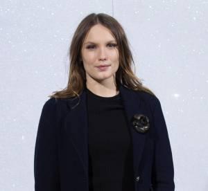 Ana Girardot, frenchy sexy en mini jupe en cuir... Un look à copier !