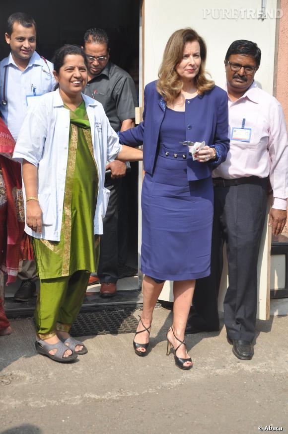 """Valérie Trierweiler est actuellement en Inde pour son combat contre la malnutrition avec """"Action contre la Faim""""."""