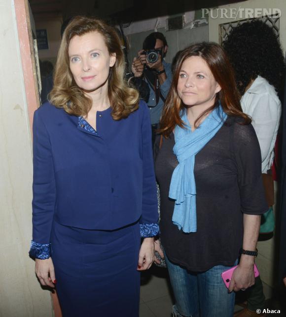 Valérie Trierweiler est accompagnée de l'actrice Charlotte Valandrey.