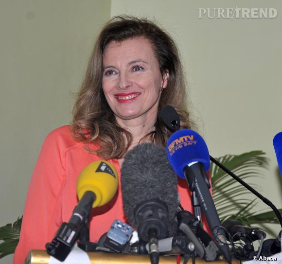 Pendant une interview, Valérie Trierweiler a laissé sous-entendre que le pouvoir aurait joué un rôle dans sa rupture avec le chef de l'État François Hollande.