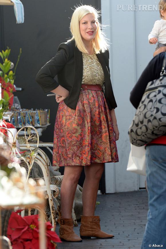 Tori Spelling n'est plus enceinte fin novembre 2012 mais a des difficultés à dégonfler.