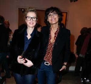 Karin Viard et Inès de la Fressange pétillent de style mardi 4 février 2014 chez Roger Vivier.