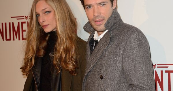 nicolas bedos s 39 est rabiboch avec une ex copine jolie blonde pr nomm e zo ils f tent leur. Black Bedroom Furniture Sets. Home Design Ideas