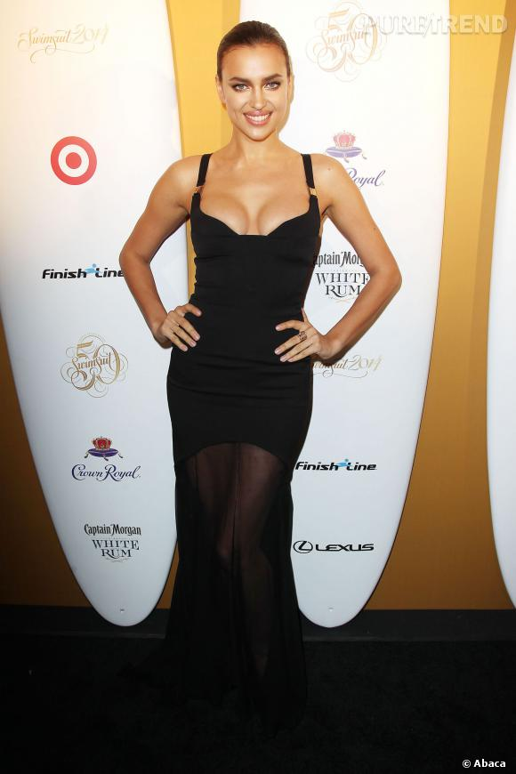 Irina Shayk, un décolleté renversant pour la soirée  Sports Illustrated !