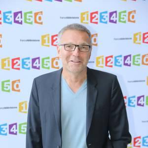 """Laurent Ruquier arrivera-t-il à rebooster les audiences de """"L'émission pour tous"""" sur France 2 ?"""