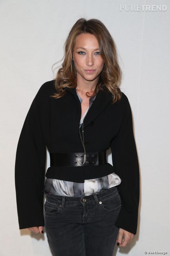 Laura Smet, l'une des frenchies très élégantes au défilé Galliano, le dimanche 2 mars 2014.