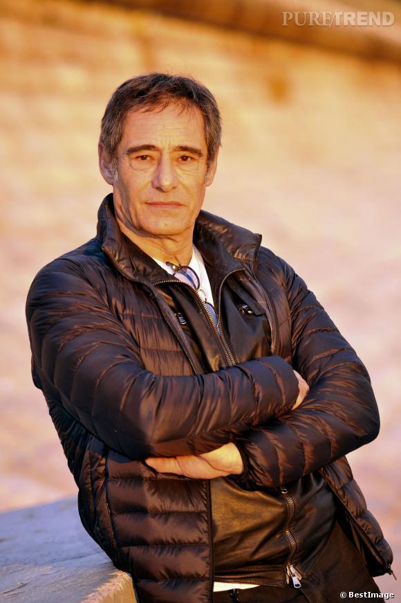 A 63 ans, Gérard Lanvin reste indéniablement le beau gosse du cinéma français.