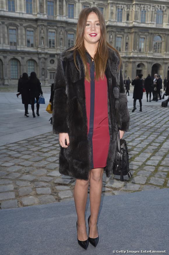 Adèle Exarchopoulos, sexy version femme fatale pour le défilé Louis Vuitton.