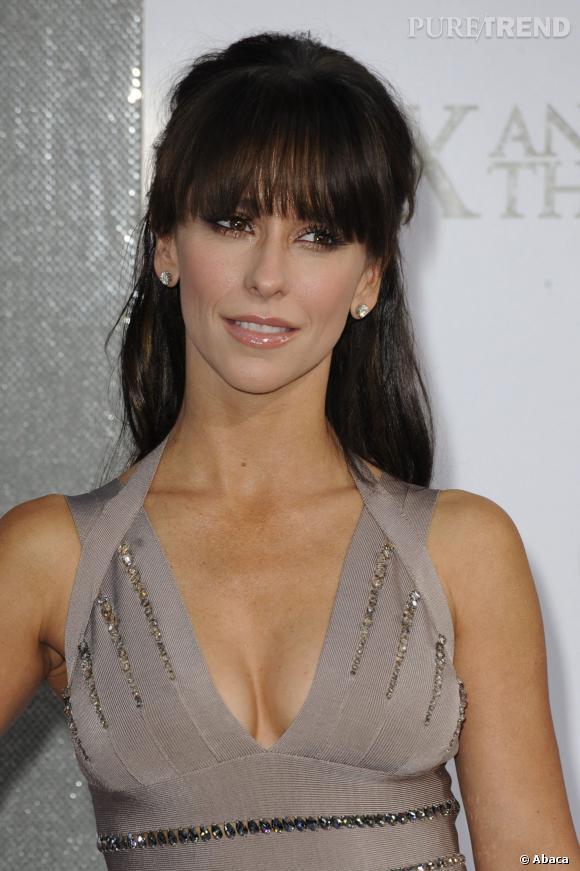 """Jennifer Love Hewitt et le décolleté en v de folie à la première de """"Sex and the City 2"""" en 2010."""