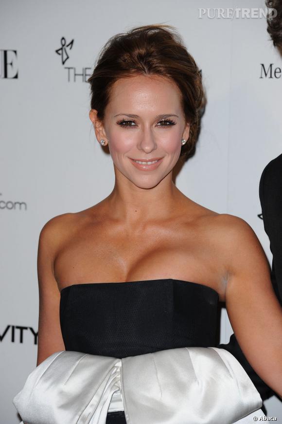 Jennifer Love Hewitt : regardez-la dans les yeux au gala Art Of Elysium en 2011.