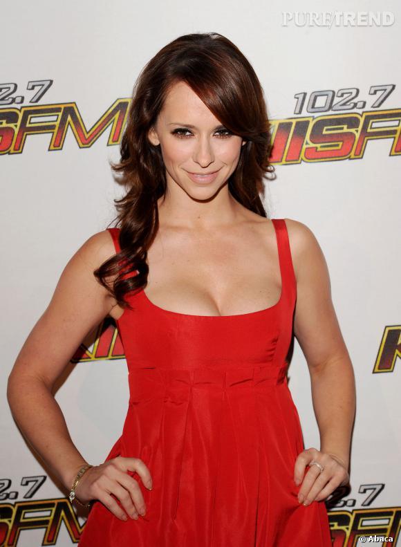 Jennifer Love Hewitt souhaite faire assurer ses seins pour 5 millions de dollars.