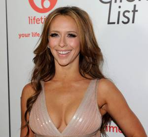 Jennifer Love Hewitt : la bombe de The Client List en 20 décolletés