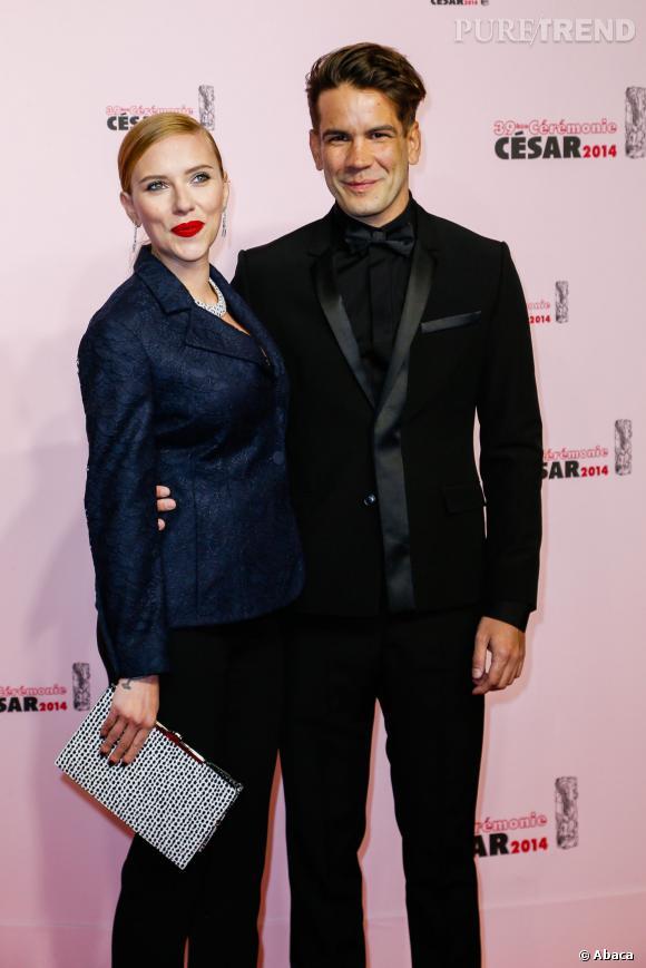 Scarlett Johansson enceinte au côté de Romain Dauriac aux César le 28 février 2014.