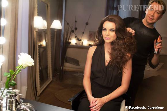 """Marine Lorphelin sublimée par des professionnels dans des photos postées sur le compte Facebook de """"Idées beauté Carrefour""""."""