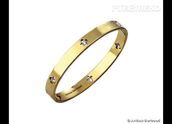 """Arthus-Bertrand    Bracelet """"Royale"""" en or jaune et diamants, 4 900€."""