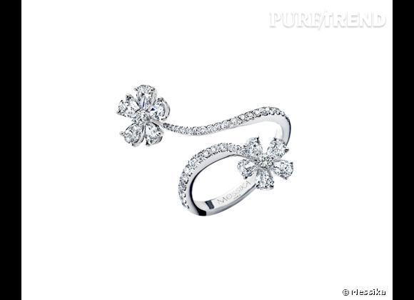 "Messika     Bague ""Spring"" Toi & Moi en or blanc 18 carats et diamants, 5 980€."