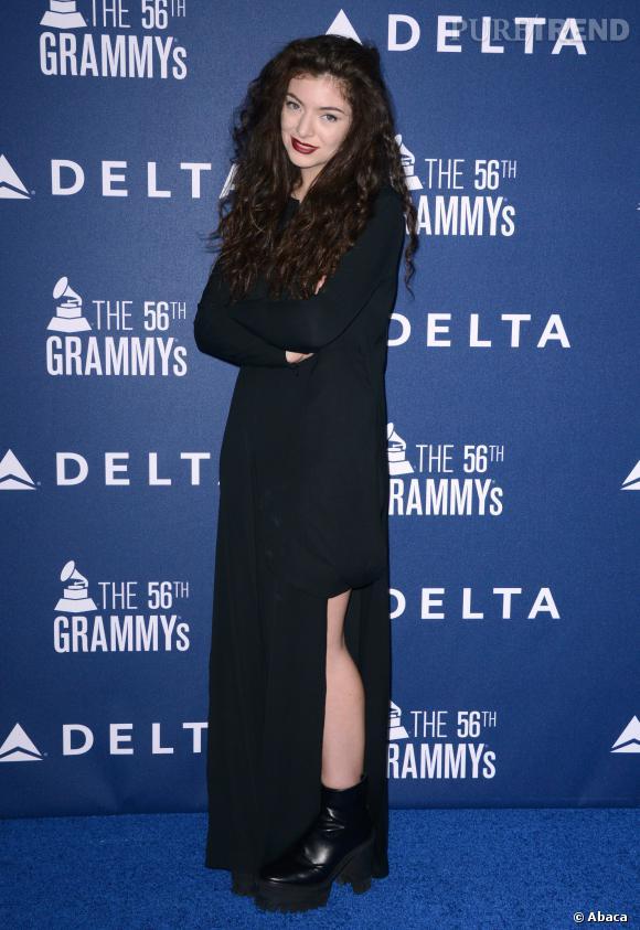 Les lèvres dark de Lorde, une bonne manière de faire diversion sur ses problèmes de peau !